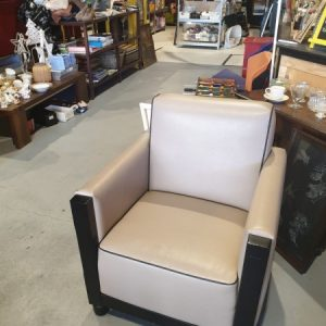 Wit fauteuil